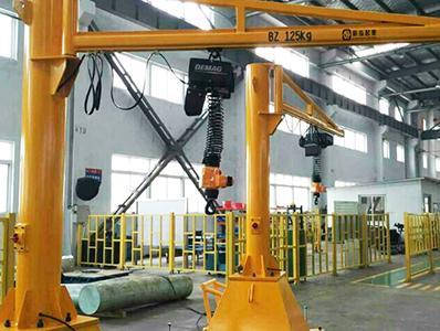 移动式悬臂吊起重机想要运行得更平稳应该如何做