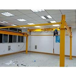 学校实验室用的起重机怎么选型